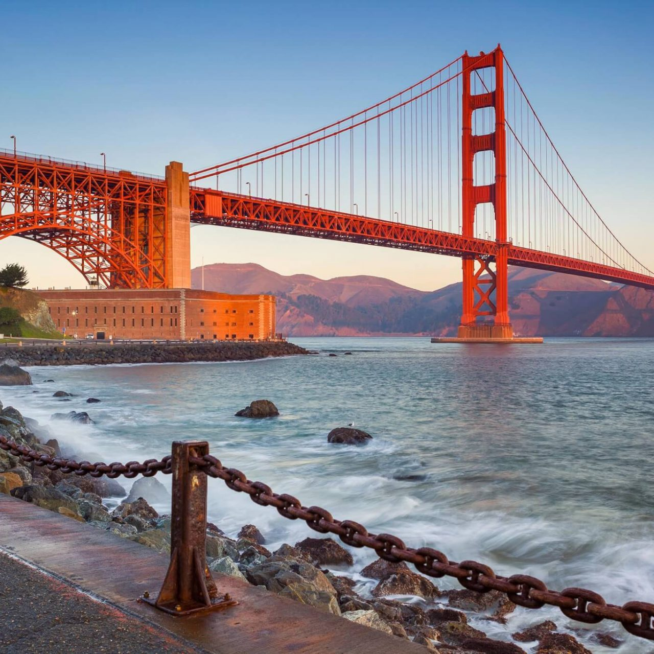 http://travelicious.bold-themes.com/main-demo/wp-content/uploads/sites/2/2018/09/destination-san-francisco-01-1280x1280.jpg