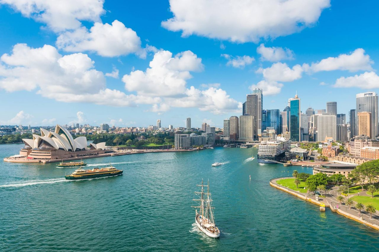 http://travelicious.bold-themes.com/main-demo/wp-content/uploads/sites/2/2018/09/destination-sydney-04-1280x854.jpg
