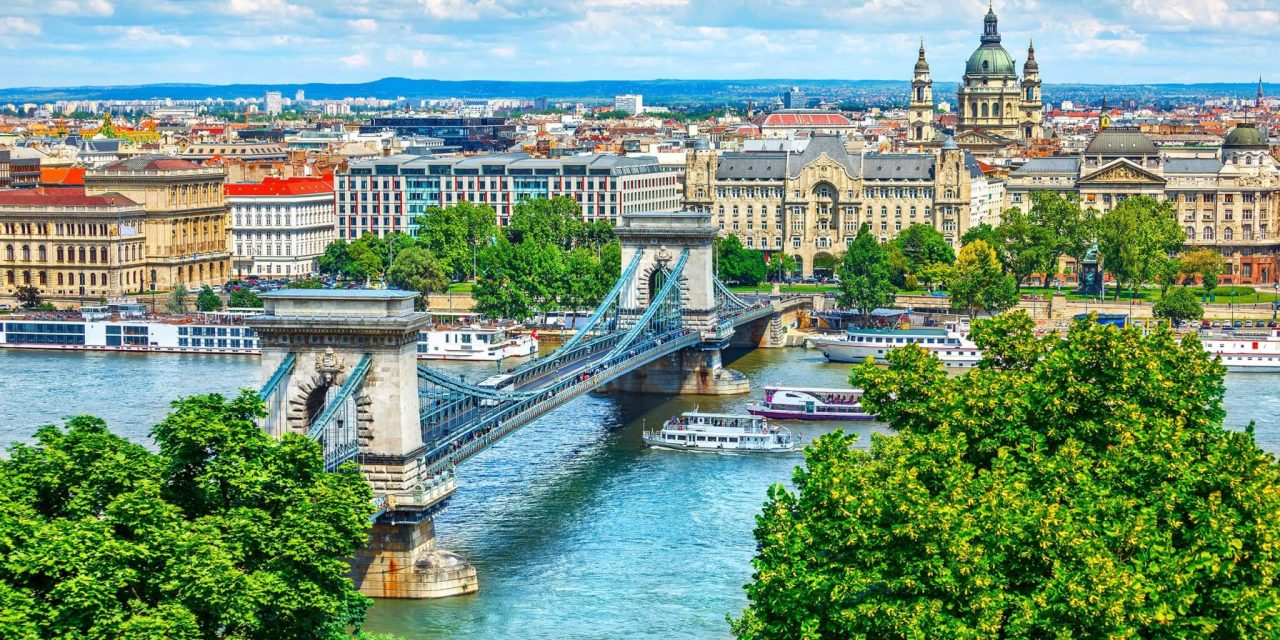 https://travelicious.bold-themes.com/main-demo/wp-content/uploads/sites/2/2018/09/budapest-01-1280x640.jpg