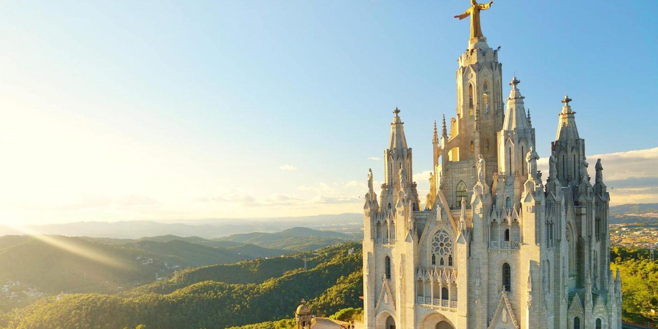 https://travelicious.bold-themes.com/main-demo/wp-content/uploads/sites/2/2018/09/destination-barcelona-02-1280x640.jpg
